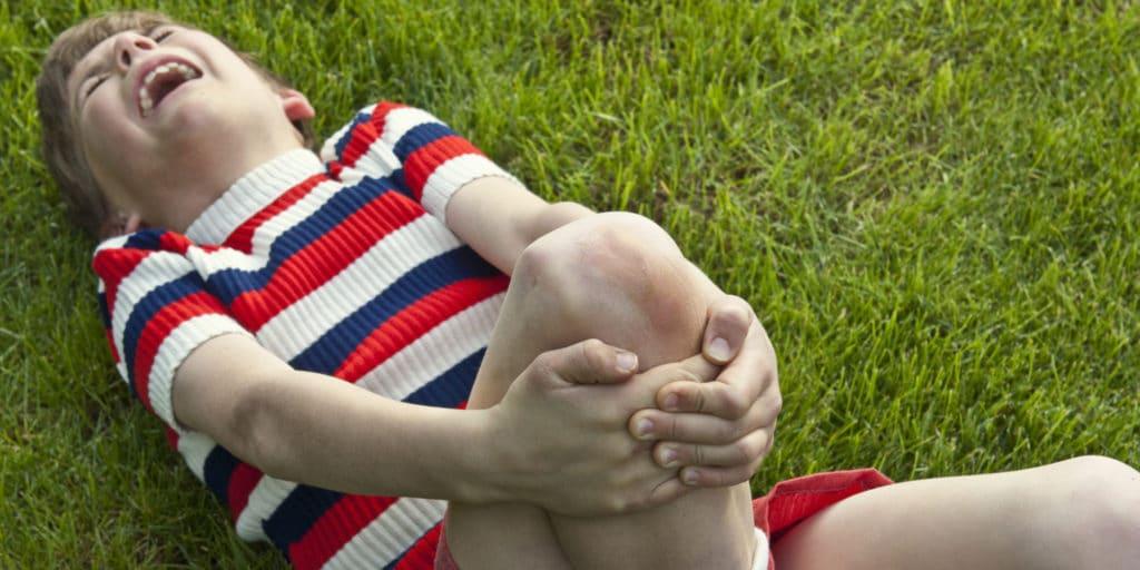 Сильная боль в ноге у ребёнка