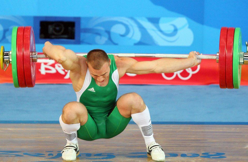 Открытый перелом руки при спортивных перегрузках