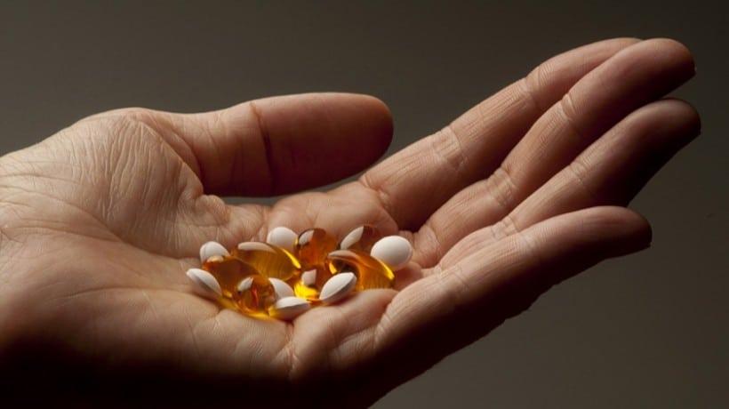 Кальций при переломах костей: перечень препаратов и продуктов