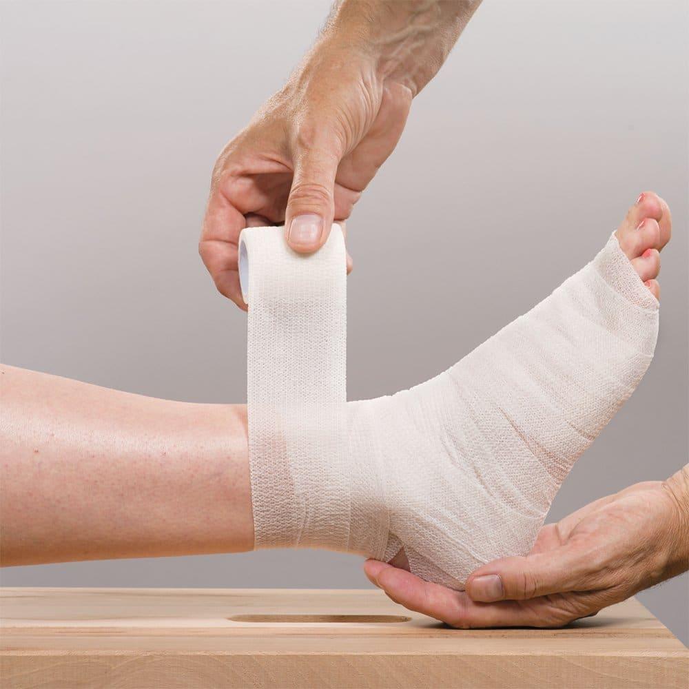 Ушиб мизинца на ноге: повязка на ноге