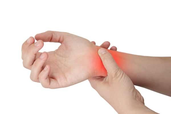 Симптомы растяжения кисти