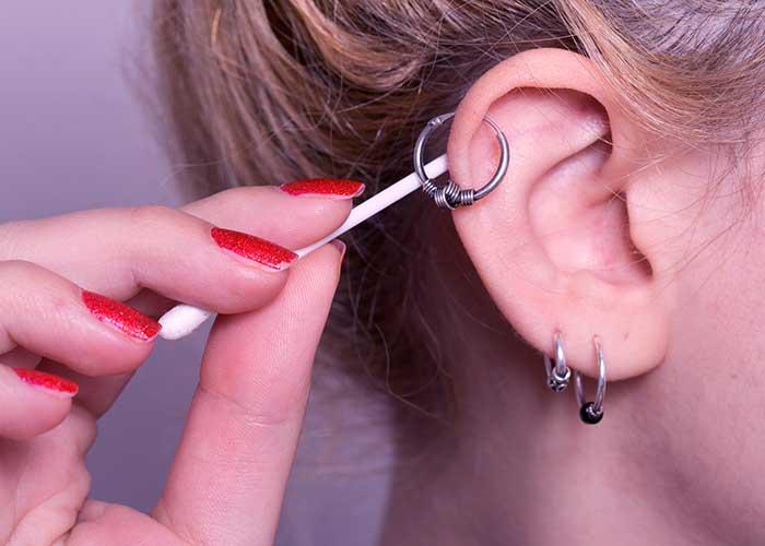 Пирсинг и проколы ушей