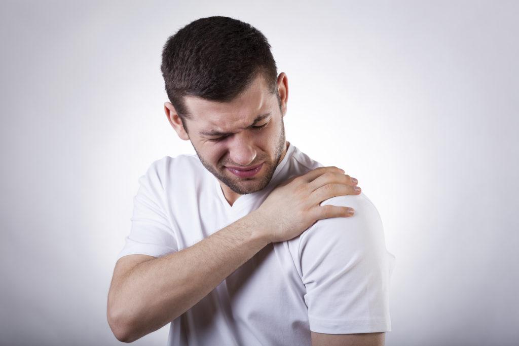 Болевой синдром при растяжении связок плечевого сустава