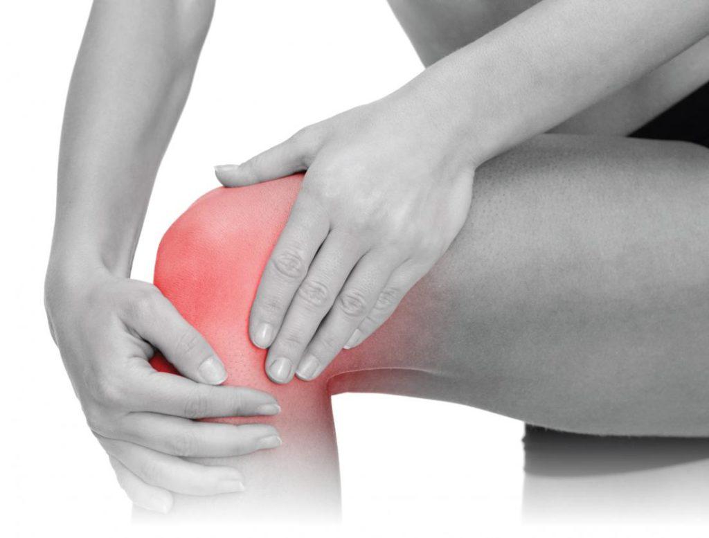 Сильная нарастающая боль является одним из признаков растяжения