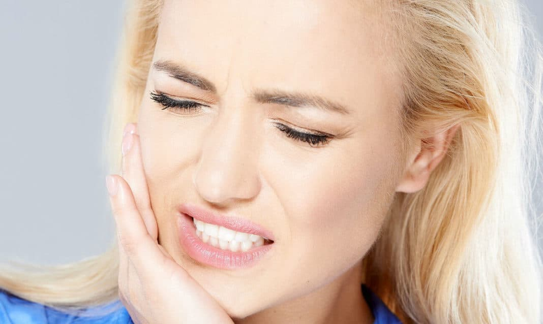 Перелом скуловой кости и дуги, признаки, последствия и методы лечения травмы